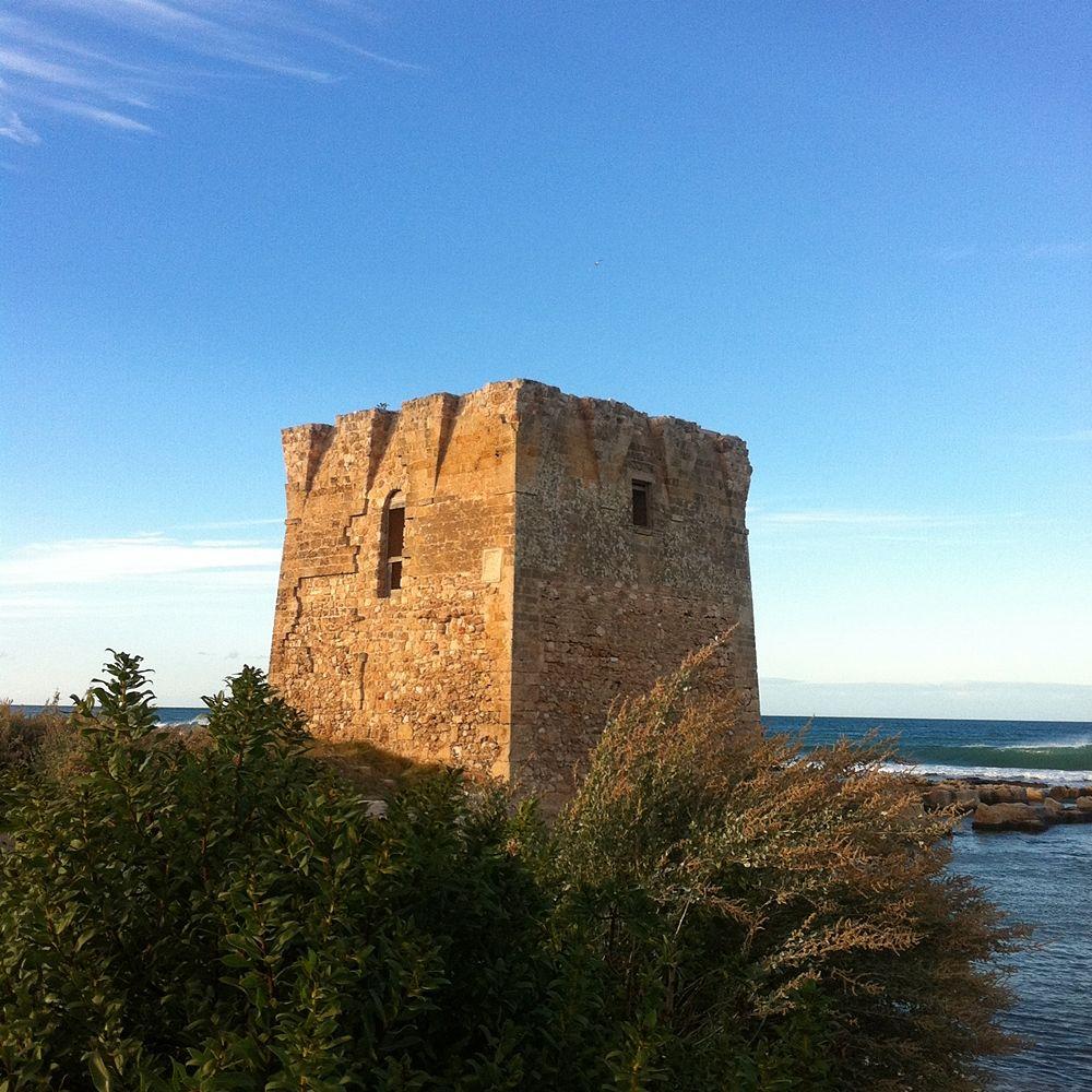 Puglia - Torre costiera di S. Vito di Polignano a Mare (Bari), XVI sec. - Ph. © Michele Natale