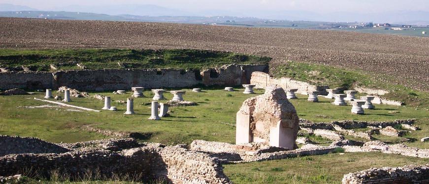 Puglia - Scorcio degli scavi di Herdonia, Ordona (Foggia) - Ph. Giaianno   Public domain