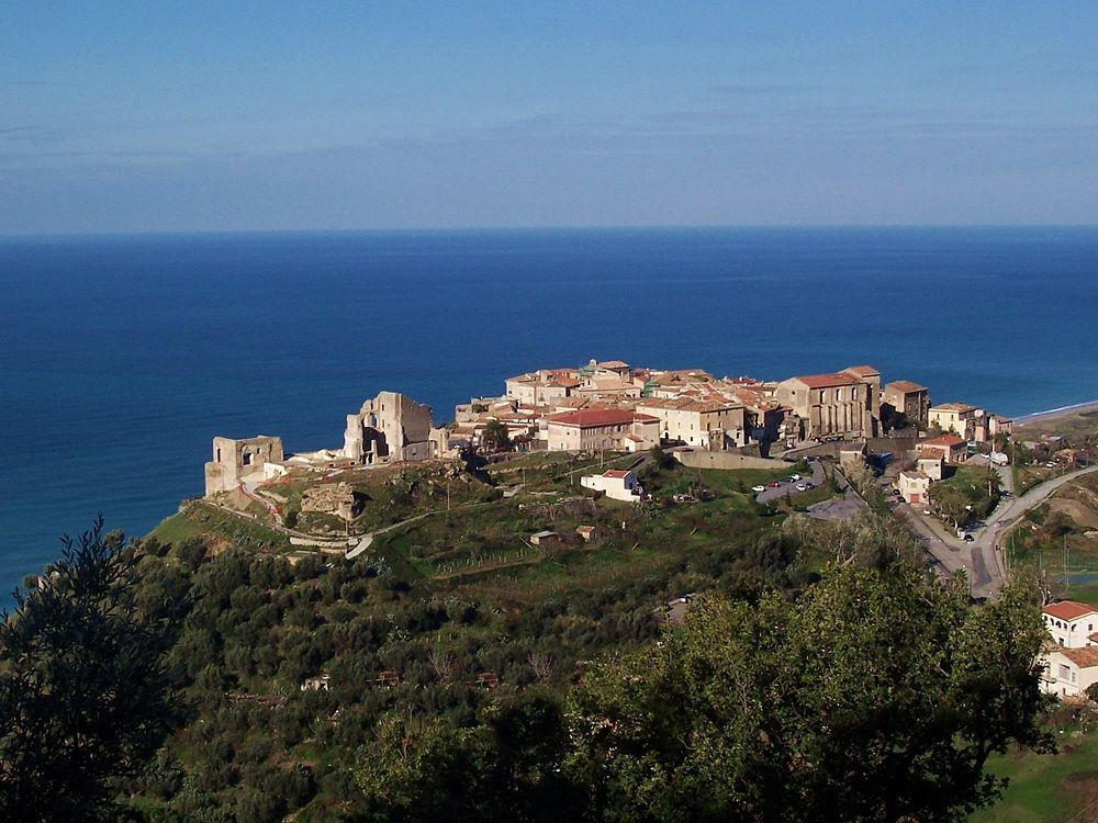 Veduta panoramica di Fiumefreddo Bruzio (Cosenza) - Ph. Comune di Fiumefreddo Bruzio