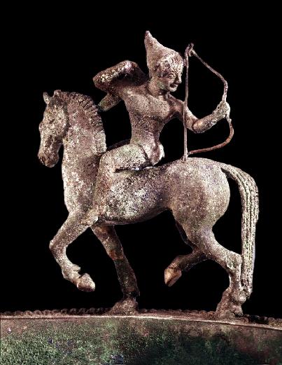 Arciere, part. del Lebete Barone, Capua, bronzo, fine VI sec. a.C., British Museum, Londra   Ph. courtesy Anushka Wilkinson