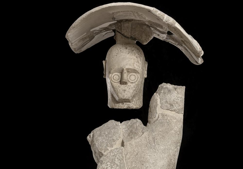 Sardegna - Particolare di uno dei Giganti di Mont'e Prama, Museo di Cabras  (Oristano)