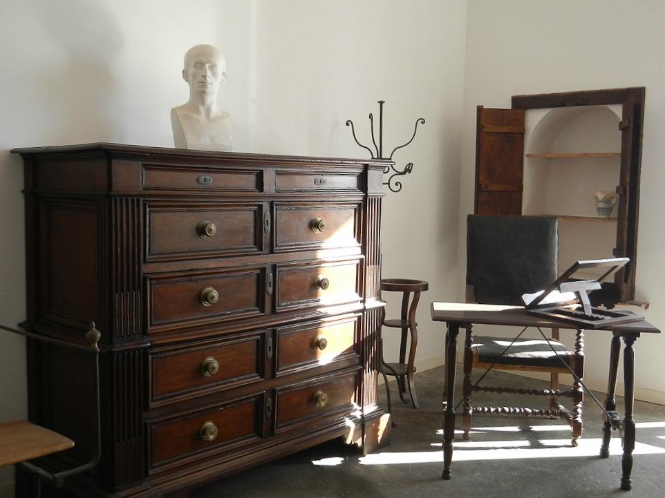Uno scorcio della stanza di Leopardi a Villa delle Ginestre, Torre del Greco (Napoli) - Ph. courtesy Inge Goldsmith