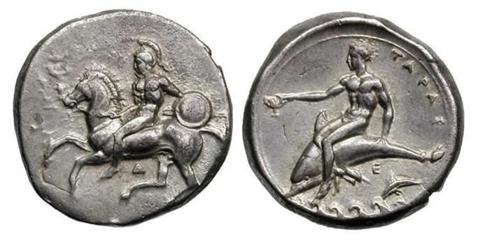 Moneta di Taranto del IV sec. a.C. A destra, sul delfino, Taras, fondatore spirituale della città spartana