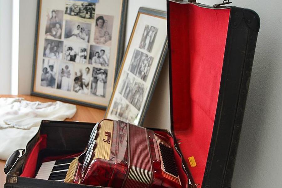 Puglia - Alcuni degli oggetti esposti nel Museo della Memoria, S. Maria al Bagno (Nardò, Lecce) - Ph. © Michele Natale | Photo gallery nel testo