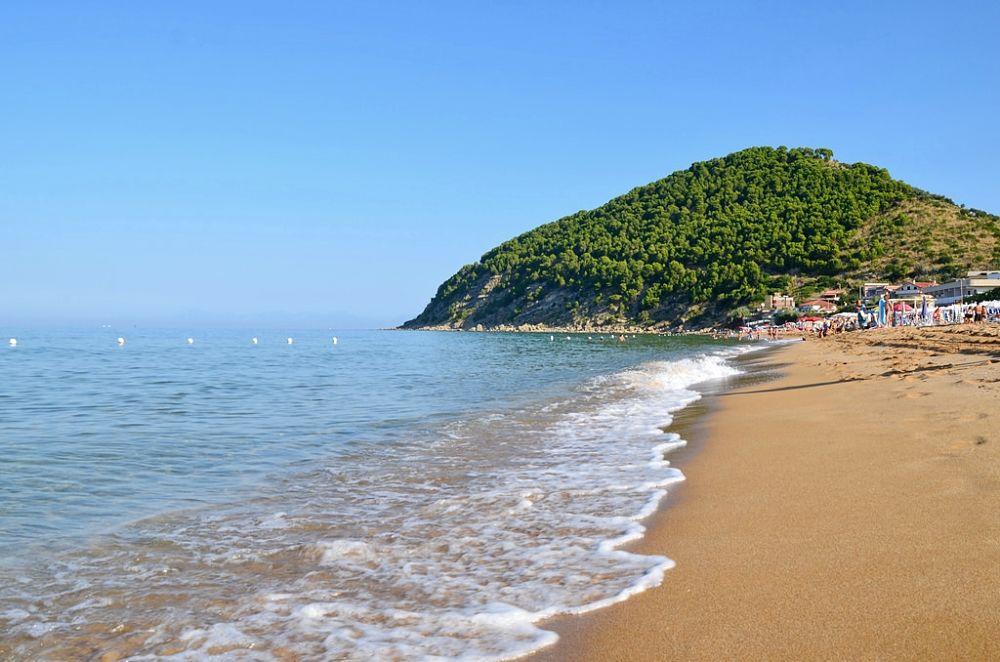 Campania - Spiaggia del Lago, Castellabate (Sa) - Ph. Legambiente