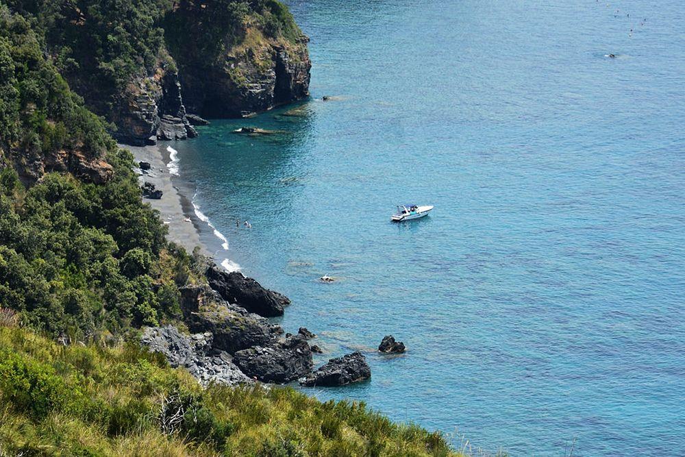 La spiaggia di I Vranne, Maratea (Pz) - Image: Legambiente