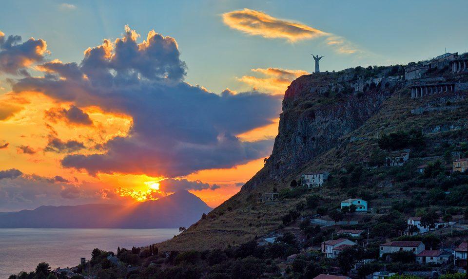Tramonto sulla costa di Maratea (Pz), sede del I° Euro-Mediterranean Coinnovation Festival