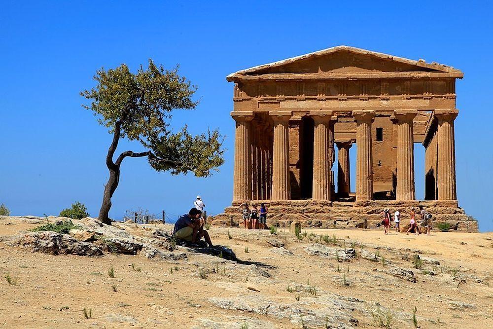 Sicilia - Tempio della Concordia, Parco Archeologico della Valle dei Templi, Agrigento - Ph. Francesco Cappa   CCBY2.0