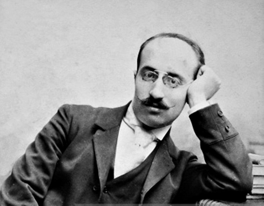 Il compositore calabrese Francesco Cilea in una foto d'epoca, all'età di circa quarant'anni