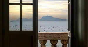 Napoli, una finestra sul Golfo. Immagini di Laura Noviello