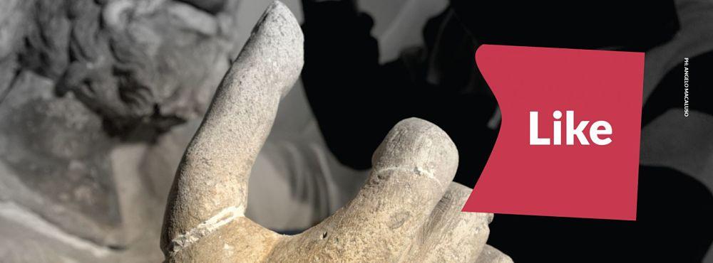 """Il pollice """"Like"""" dello Zeus di Solunto, nell'immagine di Angelo Macaluso per il Museo """"Salinas"""""""
