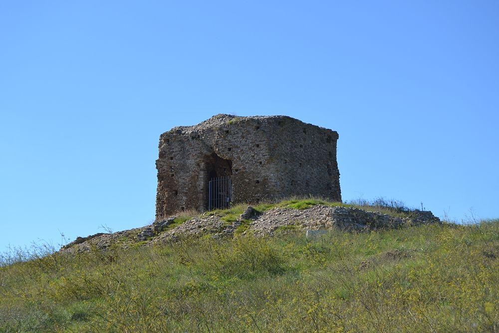 Resti della Torre di Castel Fiorentino, Torremaggiore (Foggia) - Ph. © Michele Natale