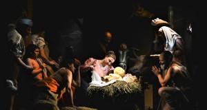 """""""Adorazione dei pastori"""": la luce e la bellezza dei Quadri Plastici di Avigliano inaugurano il Natale a Matera"""