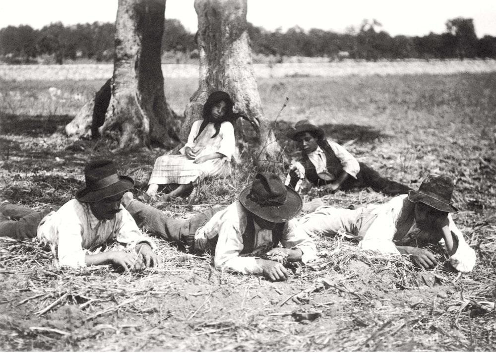 Sosta meridiana, 1909, Archivio Fotografico Giuseppe Palumbo