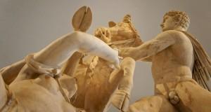 """Il museo più sexy del mondo. Le sculture dell'Archeologico di Napoli nel video di """"Mistery of Love"""""""