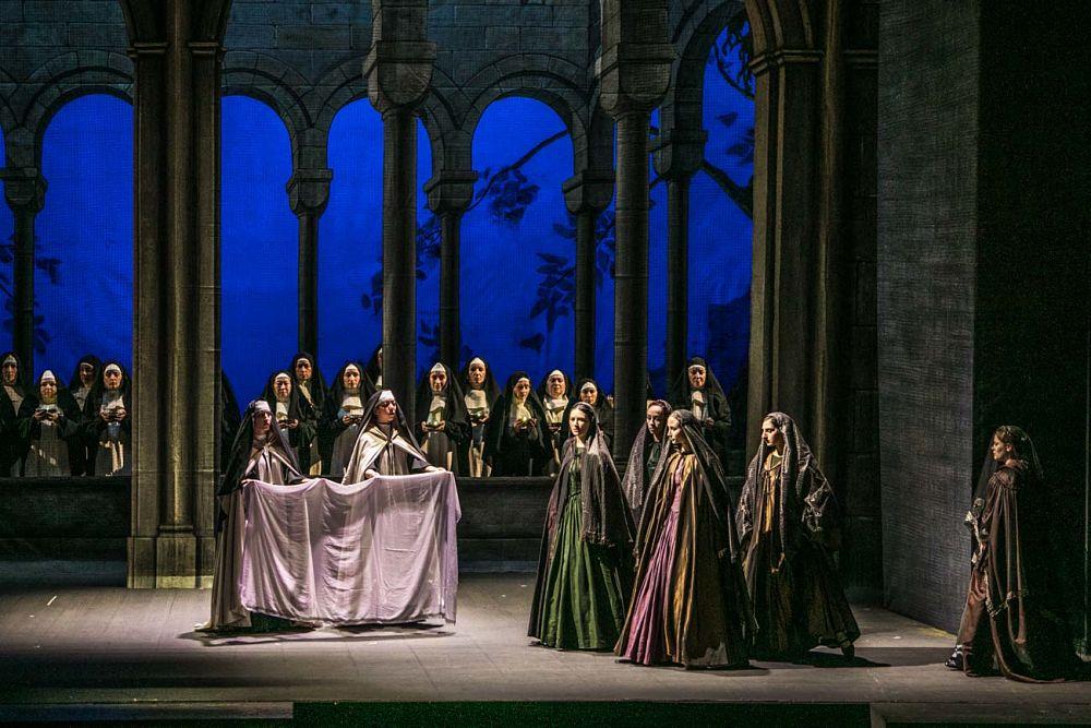 Il Trovatore, Teatro Petruzzelli, Bari - Ph. Immagina