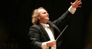 I Carmina Burana di Carl Orff in scena al Petruzzelli di Bari