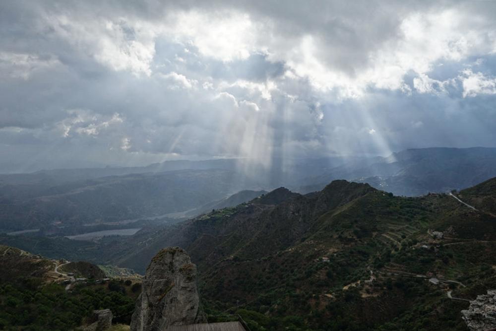 Suggestiva vista da Bova sulla valle della fiumara Amendolea - Ph.