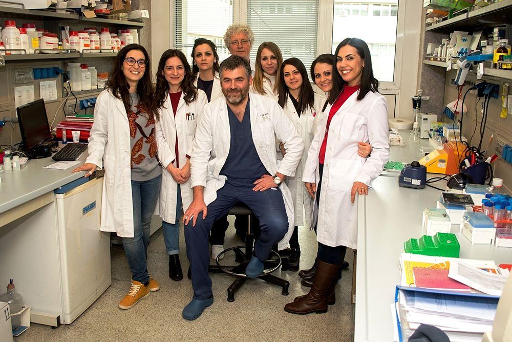 Il prof. Daniele Torella con il suo team dell'Università della Magna Grecia