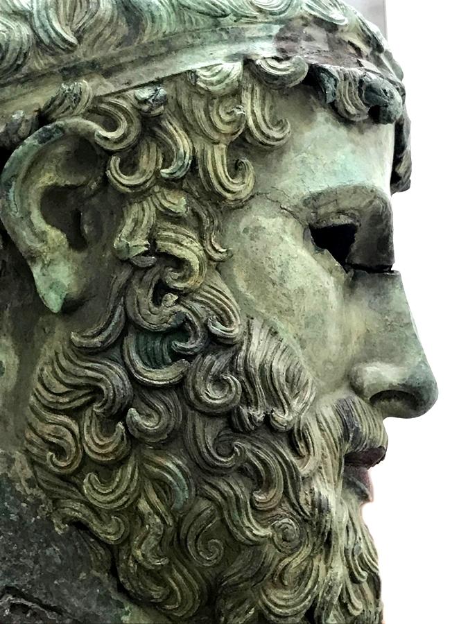 """Testa virile c.d. """"di Basilea"""", bronzo, metà del V sec. a.C., Museo Archeologico Nazionale di Reggio Calabria - Ph. Giuseppe Mantella"""