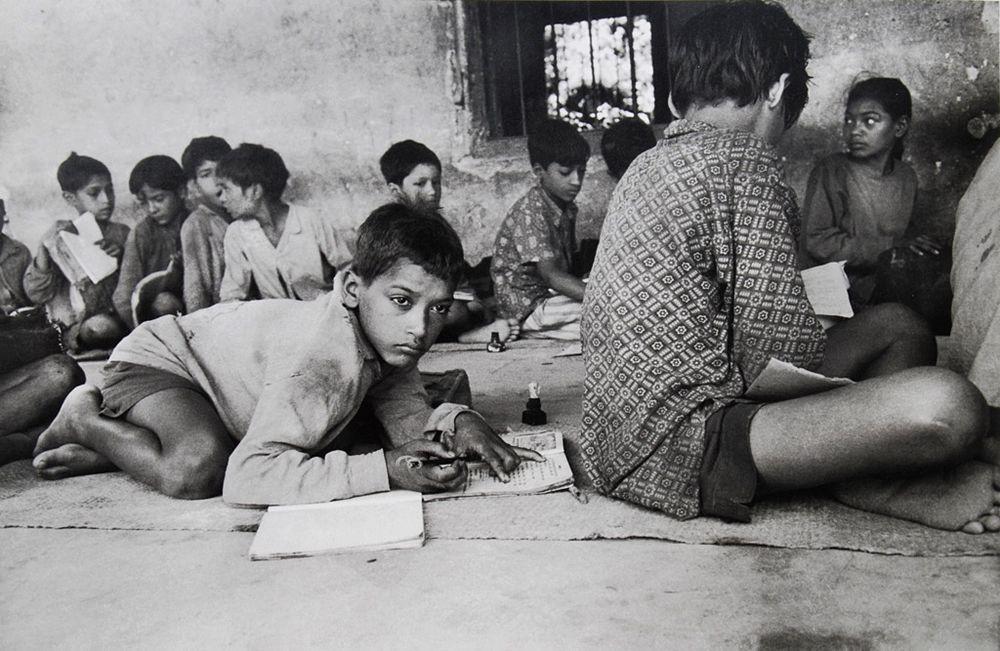 La scuola di Herakhan, India, 1977 Ph. © Lisetta Carmi