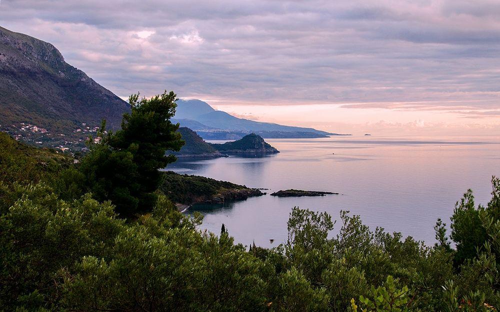 Veduta al crepuscolo della costa tirrenica di Maratea (Potenza) - Ph. Valter Cirillo