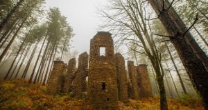 Il castello nel bosco e la cupa leggenda della Baronessa Scoppa. Immagini di Antonio Aricò