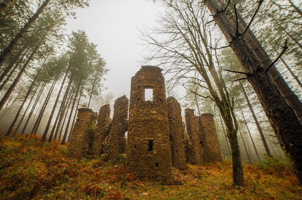 Le rovine del Castello della Baronessa Scoppa, Brognaturo (VV) - Ph. © Antonio Aricò