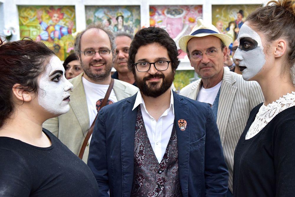 Da sinistra: il curatore Andrea Guastella, il pittore Momò Calascibetta e lo scrittore Dario Orphée