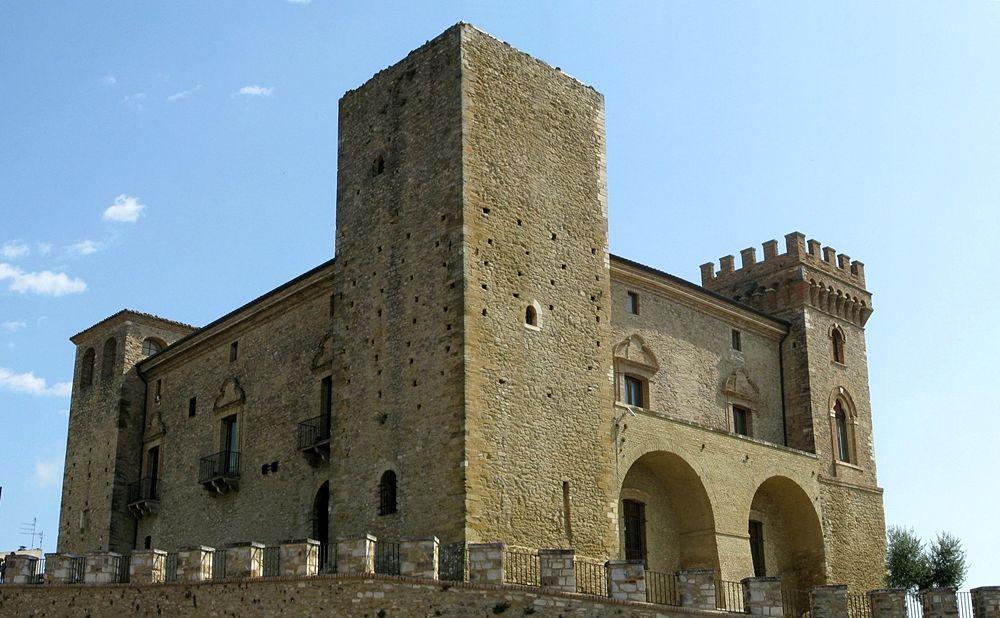 Il Castello Ducale De Reseis - Ph. Andrea Ferrante | ccby2.0