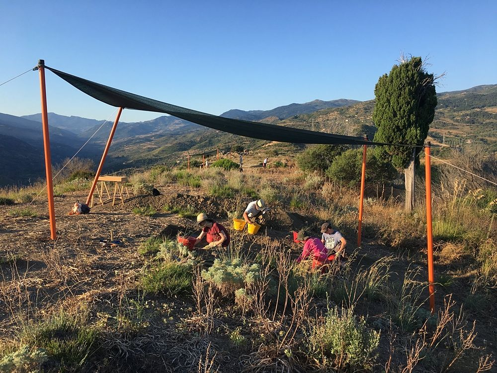 Archeologi al lavoro nel sito di Halaesa, Tusa (Messina) - Image by Mission Archéologique Française d'Halaesa - MAFHA