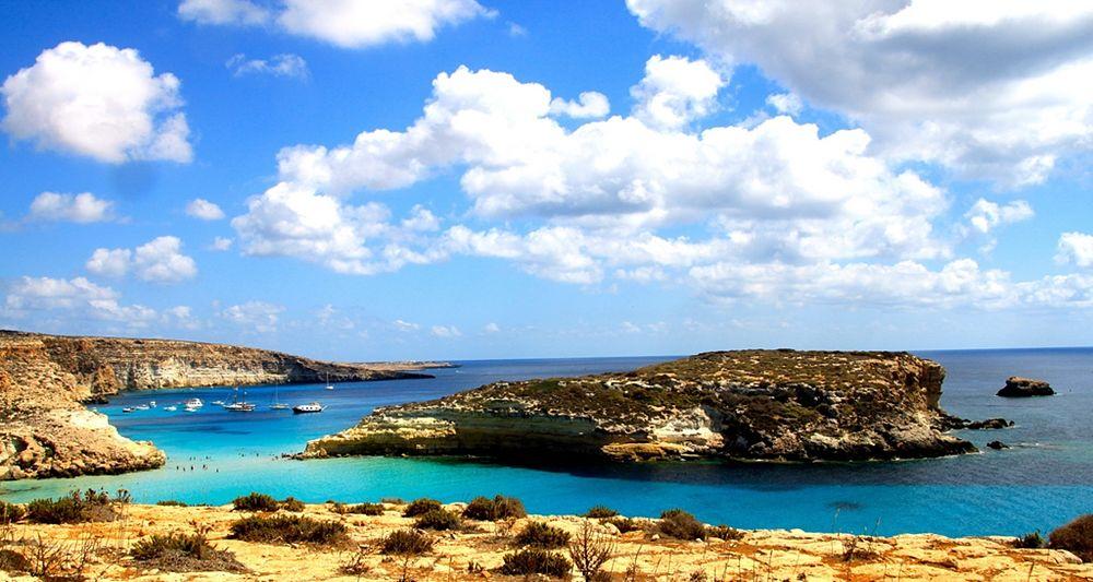 Veduta dell'Isola dei Conigli, Lampedusa (Agrigento) - Ph. Lucio Sassi | ccby-sa2.0