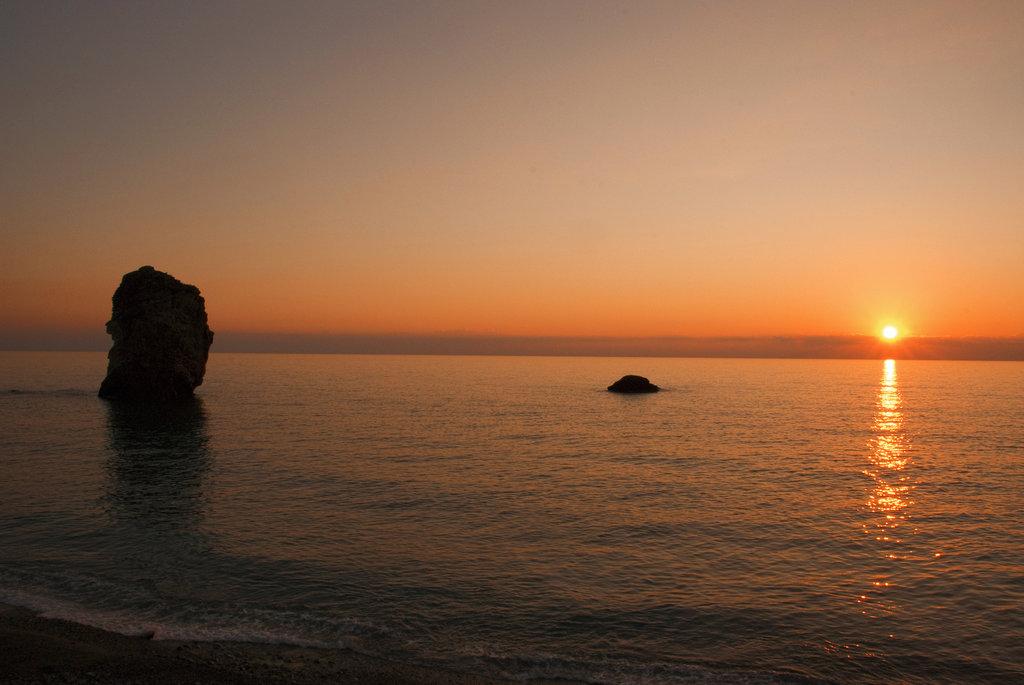 Scoglio della Regina al tramonto, Acquappesa (Cs)