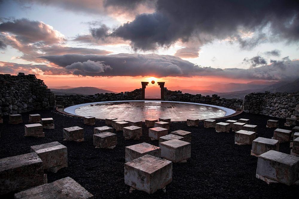 Teatro Andromeda al tramonto dopo la pioggia - Ph. Cheristian Reina