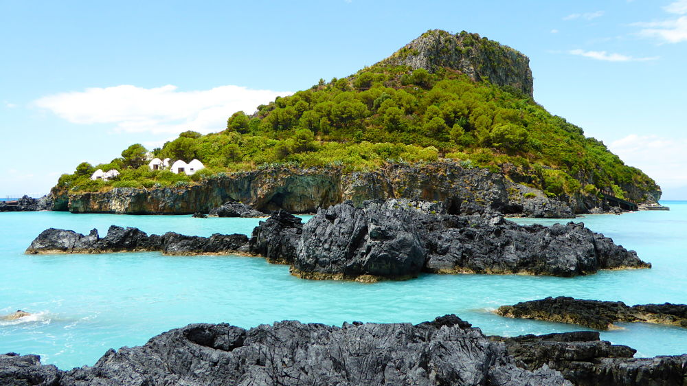 Scorcio dell'Isola di Dino, Praia a Mare (Cosenza) -  Ph. Don Gatley | ccby-sa4.0