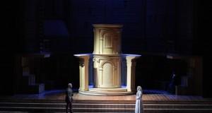 In scena al Petruzzelli di Bari il Rigoletto di Verdi con la regia di Arnaud Bernard
