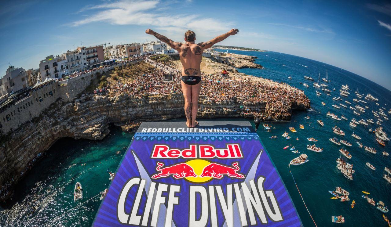Il tutto di Alessandro De Rose, winner 2017, Red Bull Cliff Diving World Series, Polignano a Mare