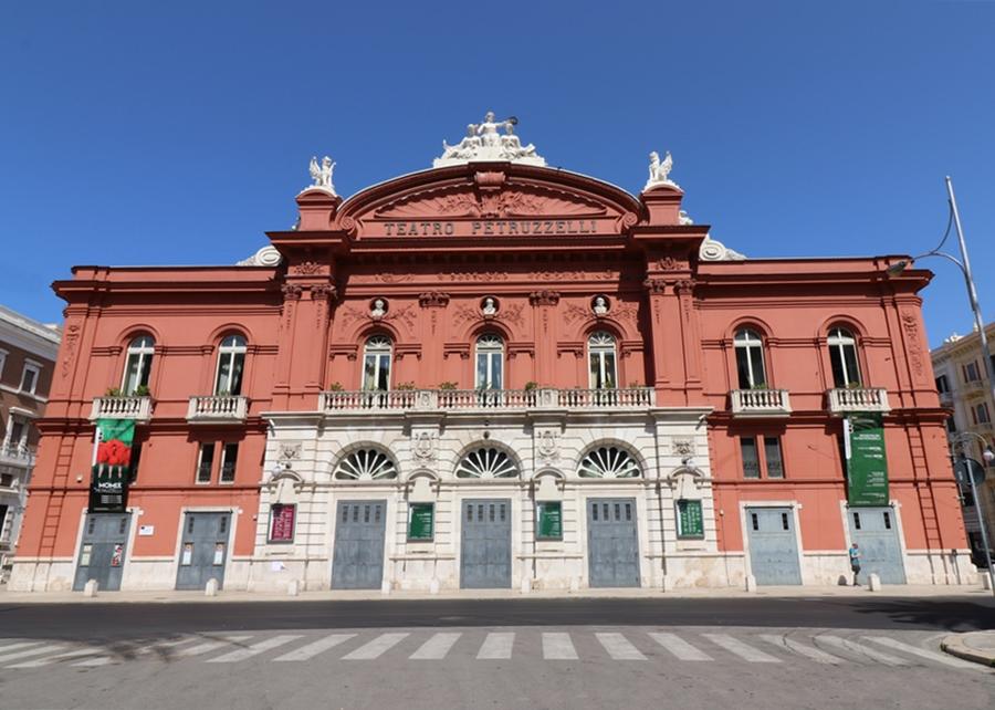 Teatro Petruzzelli, Bari - Ph. NH53 | ccby2.0