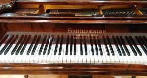 Il suono vivo della Memoria: restaurato a Bari il pianoforte di Nino Rota