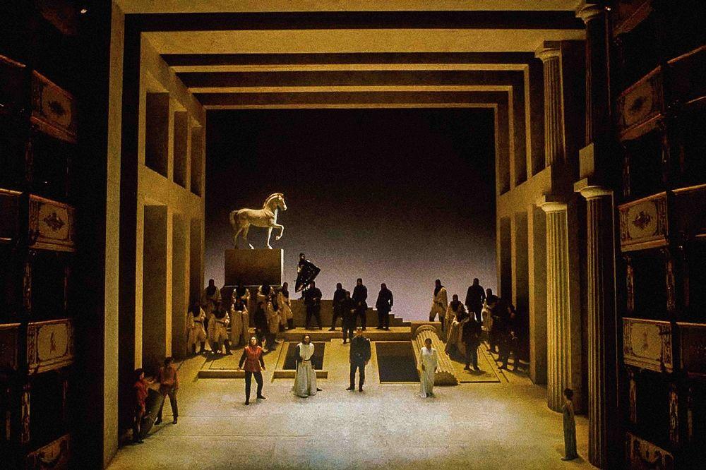 Foto di scena del Tancredi di Rossini (Teatro Petruzzelli 19-25 Ottobre 2018)
