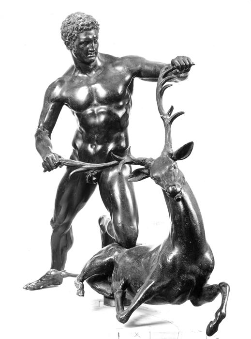 Eracle in lotta con il cervo_ copia romana da un modello della cerchia di Lisippo, ottenuta dalla donazione Borbonica