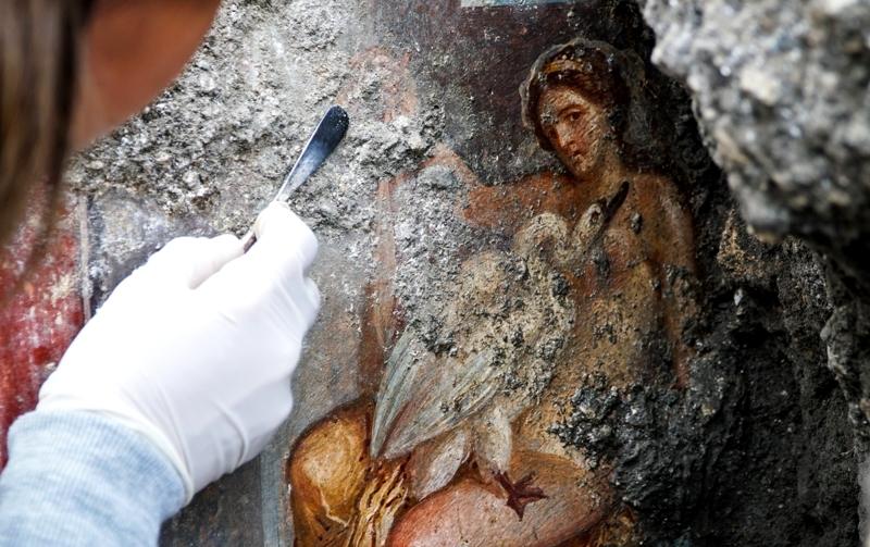 Part. dell'affresco con Leda e il Cigno, Pompei - Fonte: Soprintendenza Archeologia Pompei