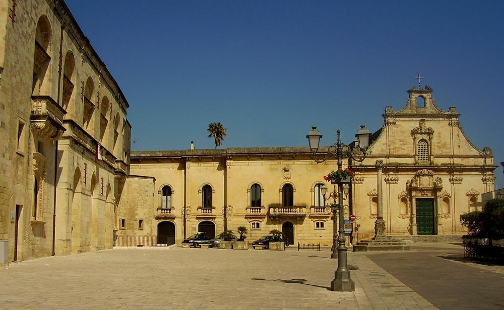 La barocca Piazza del Popolo, a Muro Leccese - Ph.