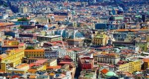 L'unicità di Napoli in un corto con la straordinaria voce di Renato Carpentieri – VIDEO