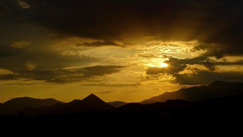 Tramonto sui monti del Pollino - Ph. © Stefano Contin