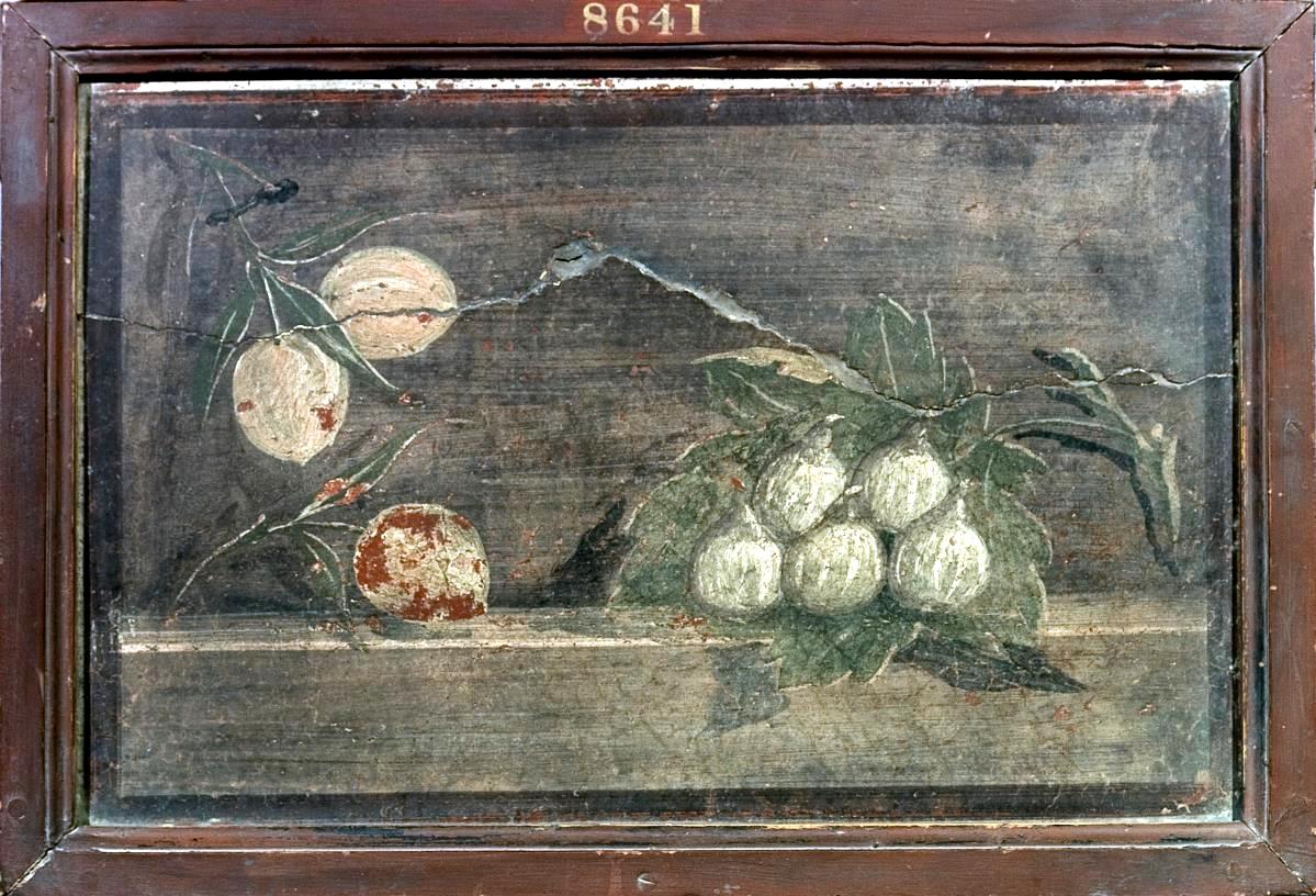 Natura morta Rami con albicocche (?) e fichi raccolti su foglia di fico, INV. 8641 Pompei, Villa di Cicerone (I, 45, 239) , intonaco dipinto IV stile