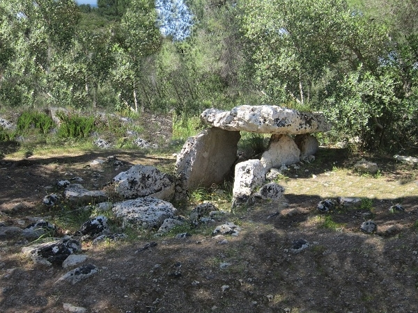 Un dolmen nella Gravina di Statte (Ta) - Ph.  © Alessandro Romano