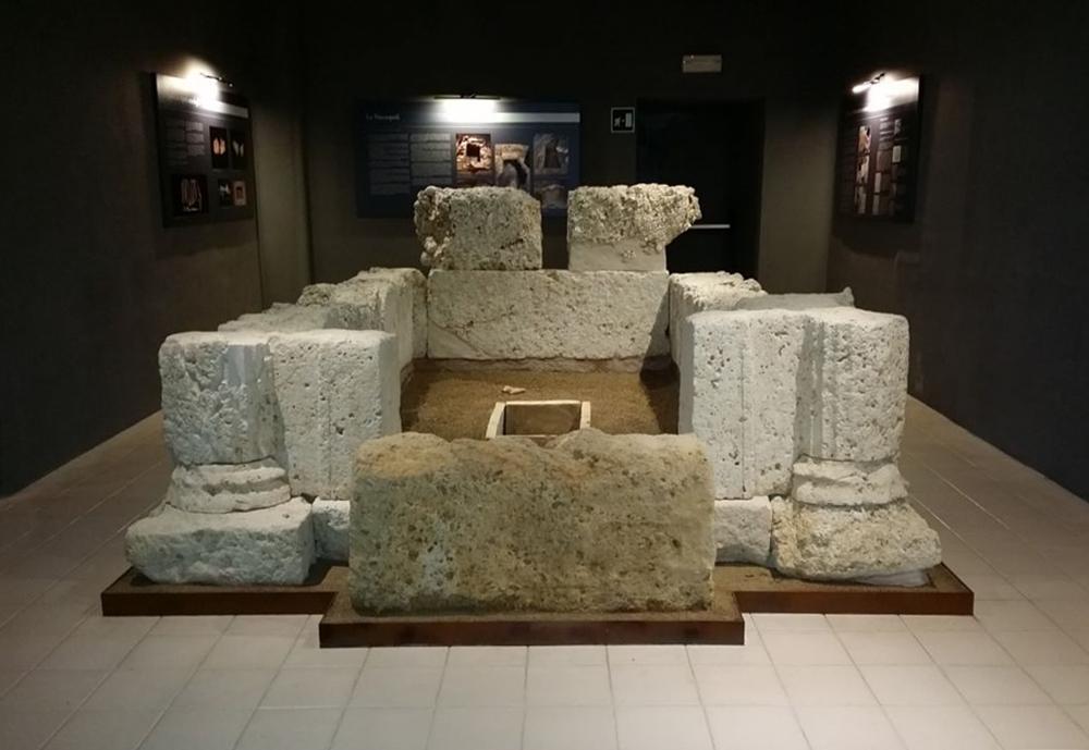 Tomba brettia a camera, IV-III sec. a.C. - Antiquarium civico, Tiriolo