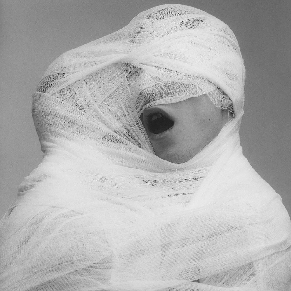 Robert Mapplethorpe, White Gauze, 1984. © Robert Mapplethorpe Foundation. Used by permission