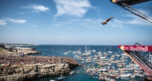 Tornano a Polignano i tuffi da grandi altezze con la Red Bull Cliff Diving World Series